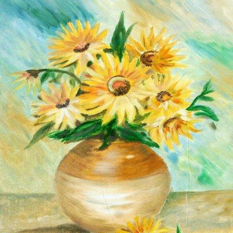 Flowers in earthern pot