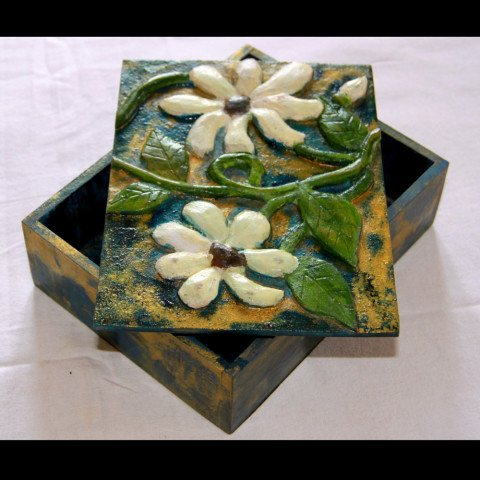 Inverse fretwork & lacquer work jewellery box